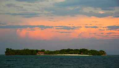 Storm approaching Sapodilla Cays